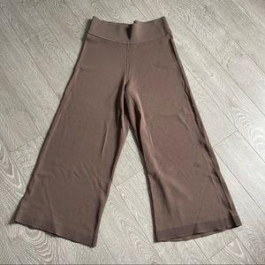 Aritzia Wilfred Wide Legged Cropped Pants